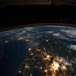 Insertions holographiques dans Les MESSAGERS de l'AUBE la-terre-150x150